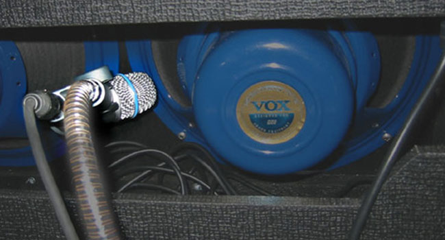 Shure Microphone Miking the back of the cabinet